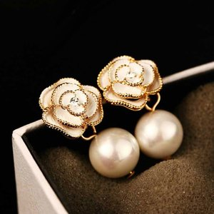 Trendy Style Camellia Flower Stud Earrings Pearl Flower Big Brand Eesign Earring YUTONG Femme Pendante Chic Jewelry