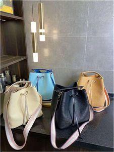 Fashion Ladies Bags Luxury Quality Drawstring Bucket Bag Handbag Shoulder Crossbody handBags Cow Leather Original Single Series closure With a snap button adjust