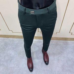 2020 جديد رجل السراويل الاجتماعية الأزياء سليم زر البدلة بانت الرجال السراويل الخضراء شارع الملابس الرجال الأعمال سليم اللباس الصلبة دعوى بانت