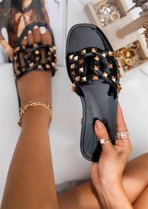 WMAE 2021 Модные сандалии для женщин по прибытии Летний пляж сад дизайнер плоский тапочки 3 цвета