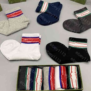 mens womens socks classic italy fashion Casual wear Letter Printed Medium sock Embroidery Cotton With box Five Pair redom color