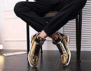Venda de moda na moda coreana 2019 Designer s sapatos de ouro quente ouro preto brilhante brilhante Sr. elegante tapete vermelho sapatos de qualidade preferidos