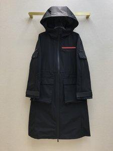 21ss Женщин женские пальто дизайнера ретро длинная куртка Limited Edition свободно красный логотип резиновые украшения множественные карманные молнии с шитью осенью роскошные толстовки