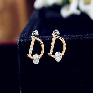 Корейский издание высококачественной буквы D Inlaid Zircon Cut Design Серьги Стильный простой темперамент женский подарок