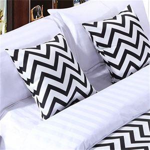 Blanco y negro Stripe Casas de algodón Cama Corredor Lanzar Home Hotel Dormitorio Ropa de cama Decoración Cama Toalla Toalla 390 R2