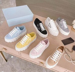Designer Women Nylon Casual Shoes Gabardine Classic Canvas Sneakers Brand Wheel Lady Stylist Trainers Fashion Platform Solid Heighten with box