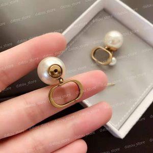 Women Luxurys Designers Earrings Fashion Jewelry Pearl Earring Diamonds Hoop Party Studs Sterling Silver Jewelrys Accessory Earrings NICE