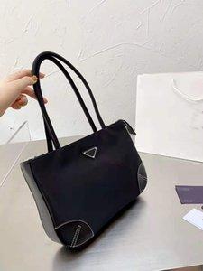 Luxurys Сумочка Женщины Tote Сумка Дизайнерские Сумки на плече 2021Ну Модные Сумки Леди Покупки Кошелек Нейлон Материал Пакет Высокое Качество