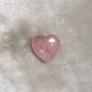 Natural Rose Quartz Heart Shape Mini Crystal Chakra Home Decor Reiki Healing Stone Love Gems DIY Jewelry NeFKJZ