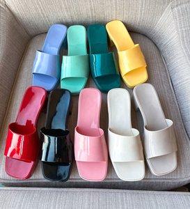 Desionerse Color Color Jelly PVC Plataforma de PVC zapatos de verano Plaza de verano Punta de punta abierta Tacones Mules Mullas al aire libre Vestido de playa Zapatillas Suela gruesa con logo
