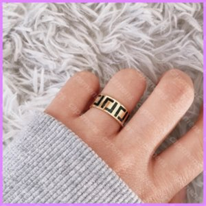 Designer Plain Rings Gold Letters Women Ring High Quality Designers Jewelry Mens For Party Classic Love Ladies La Bague. D219233F