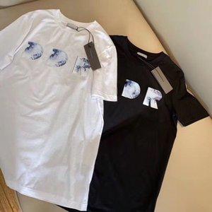 20ss الصيف مصمم تي شيرت الرجال المحملة المرأة عارضة بلايز إلكتروني تالفة المطبوعة قصيرة الأكمام أوم الملابس S-2XL