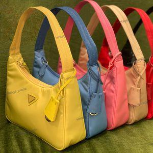 Top Qualität Luxus Designer Männer Frauen RE-Edition 2000 Crossbody Bags Tote Nylon Mode Leder Mädchen Geschenk Umhängetasche Geldbörse Handtaschen Hobo Vintage Handtasche