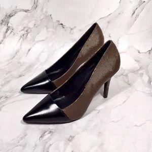 Bombas de couro genuínas Mulheres escorregam na ponta pontiaguda Decoração mental sexy salto alto Snakeskin padrão designer clássico vestido sapatos