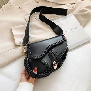 Новое летнее лето новая женская подушка для подушки классическая тканая сумочка легкая роскошная мода один плечо мессенджер сумка LJ210203