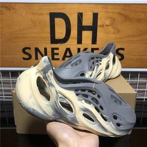 Высокое качество Kanye Foam Runner West Men Женщины Дизайнерские Тапочки Сандалии Слайды Массаж Слайд Луна Серый Минеральный Голубой Летний Пляж Плоские Роскошные Дизайнеры Сандалия Обувь