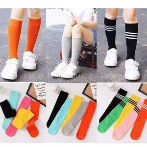 Calzini per bambini Primavera Autunno e inverno Candy Color Letters Cotton Baby Sports Scarpe sportive