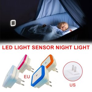 Night Lights 2021 LED Light Lamp With Smart Sensor Wireless Motion For Bedroom, Bathroom, Kitchen, Hallway 0.5W Plug-in