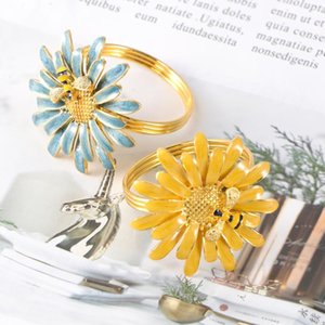 Table Napkin 2pcs Rings Buckles Bee Flowers Shape Design Zinc Alloy For Dining (Mixed Color)