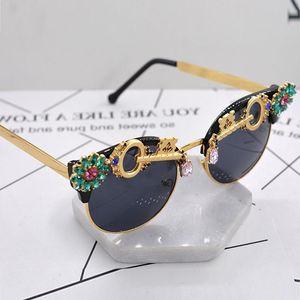 Crystal Rhinestone Baroque Sun glasses Women Brand Designer Summer Luxury Ladies Sunglasses for Feminino