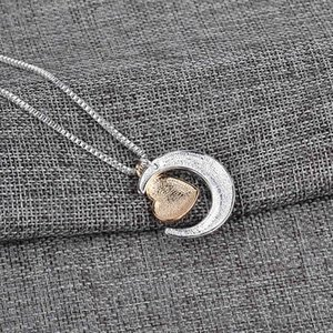 New Heart Jewelry I Love You To The Moon And Back Mom Pendant Necklace Mother Day Gift Fashion Jewelry GGA4325KY82