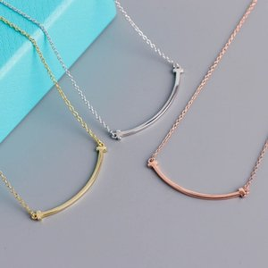2021 women's fashion necklace jewelry pendant high quality 3-color optional boutique gift box