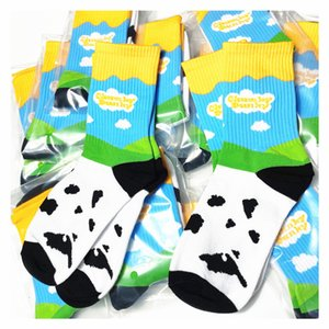 brand dunk ice Chao cream socks blue sky white cloud sb cow black and white pure cotton middle tube socks sports couple socks