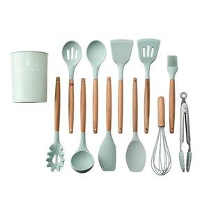 12 pz / set silicone utensili da cucina con maniglie in legno non tossiche Pinze Spatola Cucchiaio da cucina Gadget Nonstitivi Pentole GWB5989