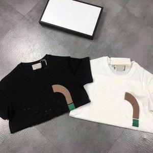 Женщины футболка Дамы с коротким рукавом Высокое совместное имя Футболка Качество мужчин Топы Tees Чисто хлопковая буква Печать хип-хоп стиль мужская одежда