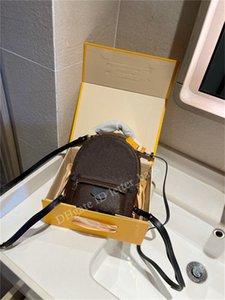 2021 SS Célèbre designer Sac à dos Style Uni Lettre Place Zipper à glissière réglable Bandoulière Réglable Sac solide Femmes Fashion Purse Sacs à main