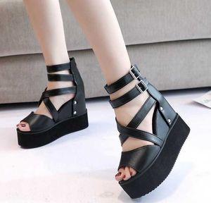 Bayan Platformu Peep Toe Sandalet Yaz Kama Yüksek Topuklu Punk Roma Gotik Ayakkabı