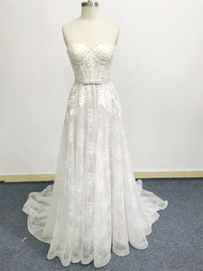 A line wedding dress China new sleeveless bride gown sweetheart neckline corset bodice Plus Size vintage 3D Floral Applique Lace sweep train custom design belt