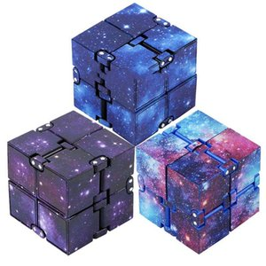 Infinity Fidget Cube للأطفال والكبار، الإجهاد والقلق الإغاثة بارد يد ناحية قتل الوقت لعب لانهائي مكعب للإضافة، adhd