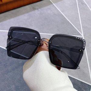 Солнцезащитные очки Ретро Дамы Негабаритный модный оттенок Повседневные Очки Вождение UV400