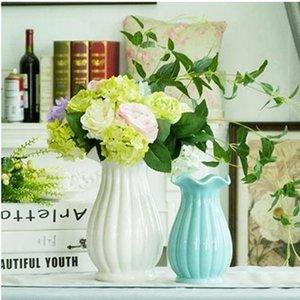 Creative European Blue And White Ceramic Vase, Home Office Restaurant Bar Desktop Decoration Gift Vases