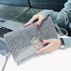 City hand holding envelope bag, light luxury fashion casual shoulder bag banquet dress all-match