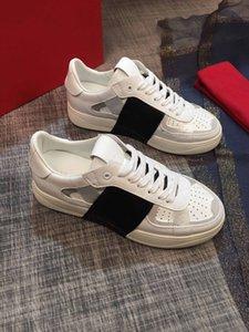 2021 Мода Повседневная Обувь Лоскутная Модные Кроссовки Панк Заклепки Низкие Мужчины Натуральная Кожа Скейтборд Стирные Спорт Скейтбординг Тренеры