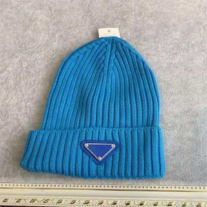 2021 Fashion designers Beanie classic letter badge Skull Cold cap Man Woman Warm Fall Winter Fitted Unisex 7 Color hats Good Quality