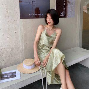 minority 2021 summer French luster Satin wrinkled elegant loose waist suspender dress 27PE