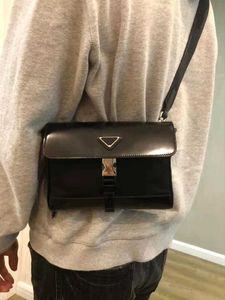أعلى جودة حقائب محفظة حقيبة يد النساء الرجال الرجال الهاتف المحمول إمرأة رجل مقلوب مثلث crossbody سوهو حقيبة ديسكو الكتف مهدب