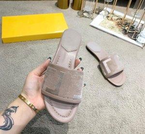 Açık Bayanlar Nakış Terlik Düz Dipli Plaj Paris Kadınlar Terlik Lüks Tasarımcılar Yaz Moda Tembel Sandalet Ayakkabı Yuvarlak Ayak Slip