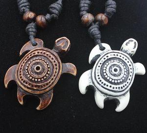 Mode Männer Harz Nachahmung Yak Bone Weiß Braun Glücklicher Schildkröten Anhänger Charm Halskette Holz Perlen Einstellbares Seil