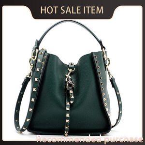 Genuine Bucket Bag Hot Selling Shoulder 2021 Luxury Women's Women Bag Designer Leather Female Rivet Handbags Fashion Ladies Casual Trkmd