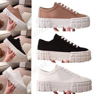 [Con caja] 2021 plataforma de la rueda del diseñador zapatos de las mujeres plana de encaje gruesa zapatillas de deporte negro engranaje blanco Match Casual Elevar entrenadores Tamaño 35-40