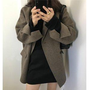 Южная Корея Восточные ворота Осень зима 2021 Старение Утолщение Hepburn Свободная средняя длина Шерстяное пальто Женщины Tracksuits
