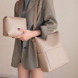 Large Capacity Women Shoulder Bags Designer Handbags Pu Leather Crossbody Bag Casual Tote Simply Buckets Bag Purse