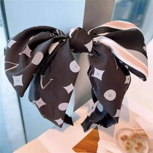 Classic Flower Letter Hair Bands Exquisite Love Striped Hairband Lady Fashion Bow Headband Female Party Wedding Head Band