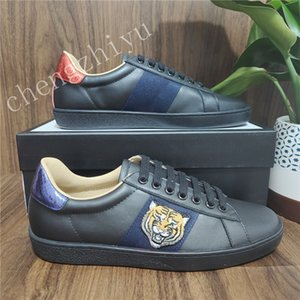 Con scatola Top Quality Mens Womens Shoe Shoe Bee Snake Tiger Casual Scarpe in vera pelle Ricamo Classico Scarpe da ginnastica Python Ricamo per amanti da scarpe da ginnastica