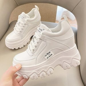 Women Winter Platform Sneakers Warm Fur Plush Insole Ankle Boots Women Spring Chunky Shoes Lace-up Tennis Shoes Woman Mujer 9CM 210322