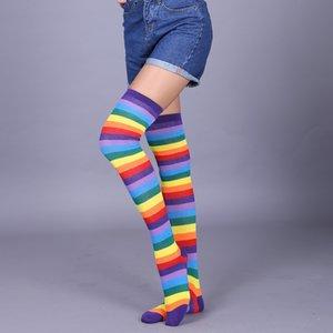 Chaussettes femmes femmes filles fantaisie arc-en-ciel rayures colorées sur le genou long Halloween costume cosplay costume tricoté de la cuisse stretchy high wholesale
